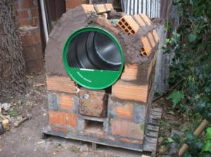 Уличная печь для сжигания мусора